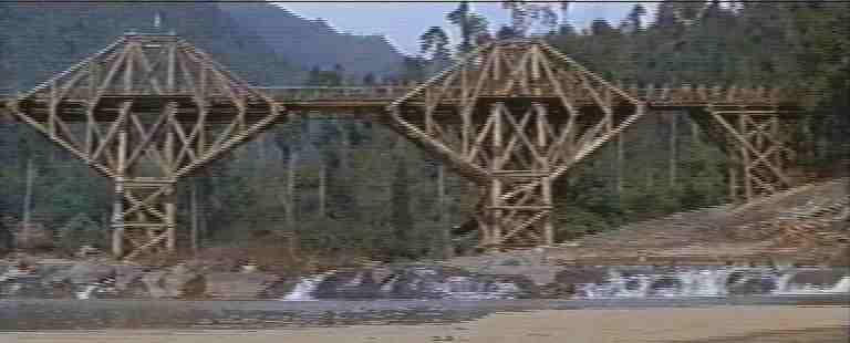 fotogallery per il ponte sul fiume kwai kolossal a confronto